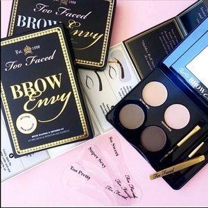 🌸BOGO🌸 🆕🖤 BROW ENVY Kit